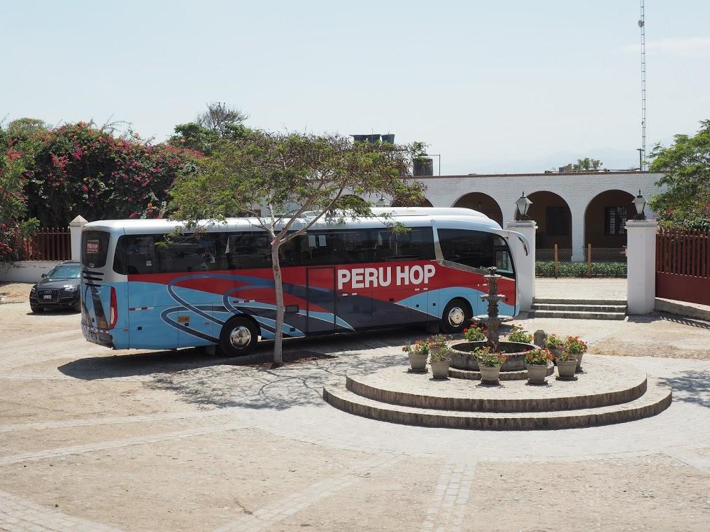 Zlata Rybka v Peru Hop Bus