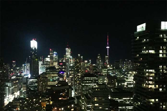 Nocne Toronto